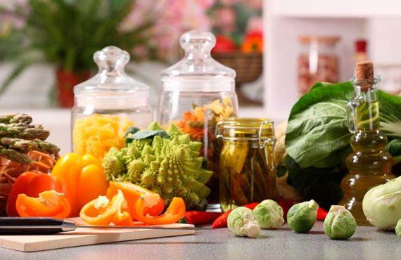 Как правильно хранить продукты, если у вас небольшая кухня?